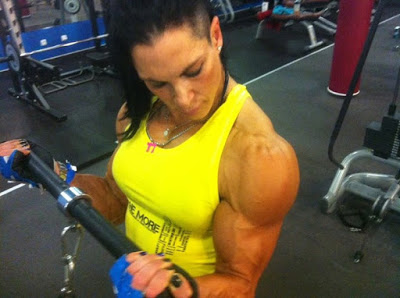 1 women bodybuilding of striving to build a better body